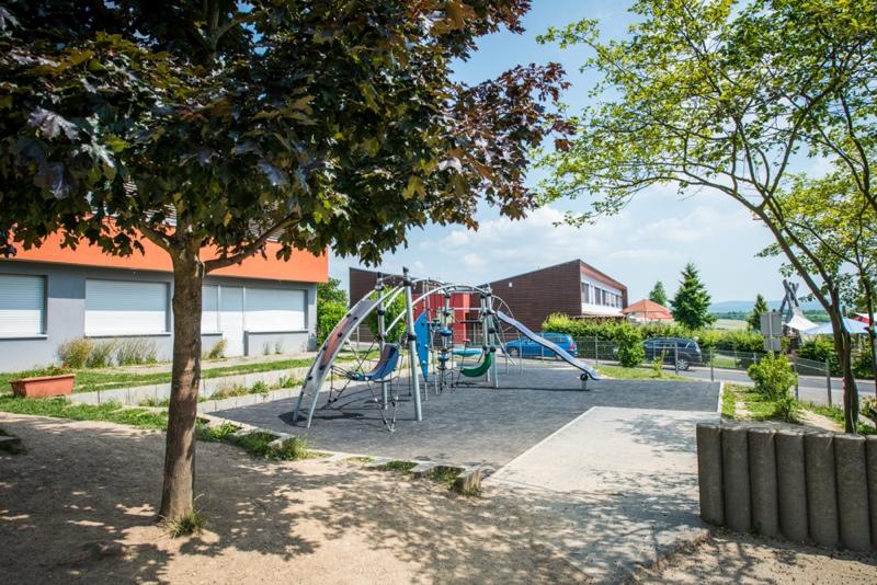 Spielplatz_vorn